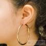 grosse boucle d'oreille créole