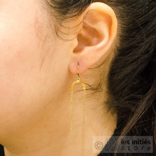asymétric pendant chains earrings