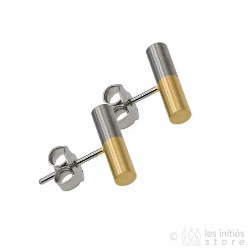 2 gold bracelets