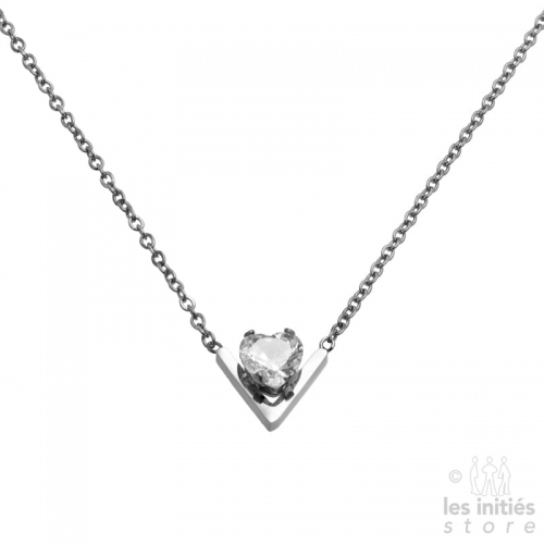 modern V shape diamond necklace