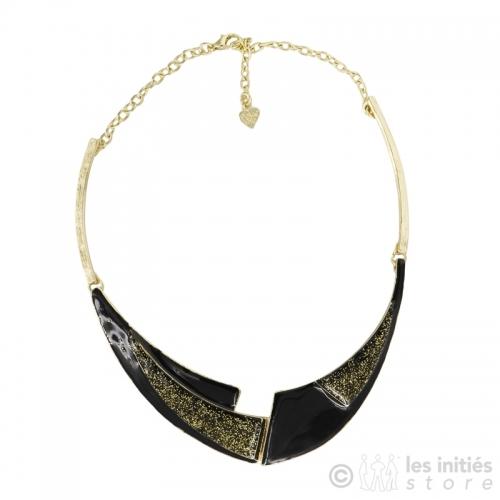 Glossy black necklace